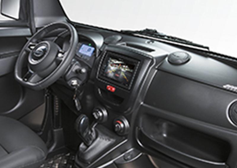 Microcar M-Cross Initial interior. Coche sin carnet - UrbanCar
