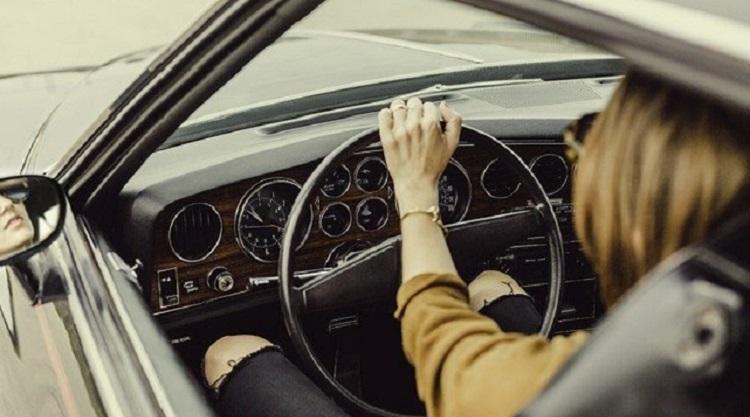 ¿Qué multas pueden recibir los usuarios de coches sin carnet?